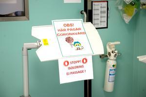 Längstfram i striden mot coronapandemin och covid-19 sjukdomen står vårdpersonalen. På intensivårdsavdelningar och i vårdboenden.