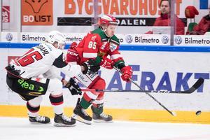 Michael Haga med Mora i en match mot Malmö. Foto: Daniel Eriksson / Bildbyrån