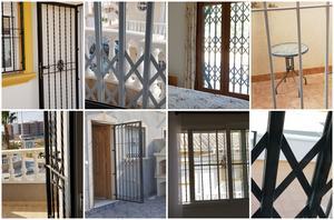 Nästan vartenda hus har galler för dörrar och fönster.