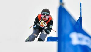 Lisa Andersson tog sig till lilla finalen i skicross-premiären.