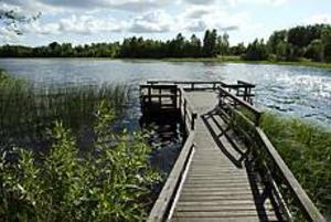 Foto: LARS WIGERT Bra bryggor. Handikapprampen vid Gavlehyttan är en av många bra fiskeplatser i Storsjön. Här brukar det finns bra med gös under försommaren.