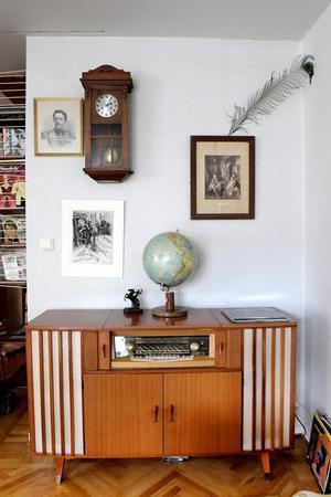 I Gustav Bergströms hem får olika tidsepoker och stilar samsas om utrymmet.Foto: Janerik Henriksson / TT