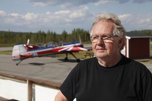 Ragnar Dillner är ordförande för Hedlanda flygförening och värd för SM-truppen.