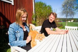 Banden mellan far och dotter har stärkts genom Tess Perssons svåra sjukdomstid och rehabilitering.