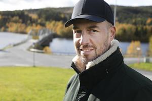 Andreas Ferm som är vd på Inkluderande Fastigheter AB arbetar med nya idéer kring bostadsbyggande.  Unga människor behöver ett billigt boende, menar han.