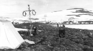 1973 tog ett gäng från Hammerdal sitt firande till självaste Stekenjokk. Fotograf okänd.