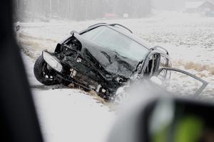 En trafikolycka inträffade vid Kundbykurvan på onsdagsmorgonen. En man fördes till sjukhus med ambulans.