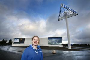 Biltema är först att öppna på Norrtäljes nya handelsplats vid södra infarten. Avdelningarna båt och cykel får extra stort utrymme i Norrtälje, enligt Josefine Gustafsson, tillförordnad butikschef.
