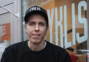 Det svåraste med att öppna egen cykelbutik var att hitta på ett bra namn, menar Philip Lundström. I juni förra året slog han upp portarna till Cyklis på Kopparbergsvägen.