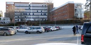 Företagarrepresentanterna träffade i förra veckan lasarettledningen för att lägg fram sin oro för konsekvenserna av beslutade neddragningar i Lindesberg.