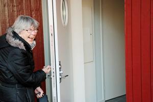 Marianne Engström har ända sedan i mars längtat efter att få flytta in i nya bostaden i Järbo.