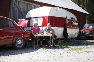 Anita och Sven-Johan Perman hade kommit från Ånge och passade på att äta lunch i solskenet.