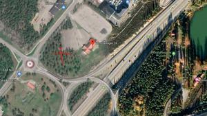 Vid det röda krysset byggs Padelhallen och där kommer även Besikta Bilprovning att öppna en station. Karta: Google maps.