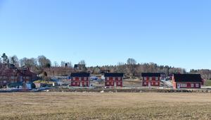 De nya villorna byggs för fullt i Spångbro.