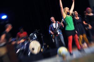 Akosia har firat tio år, och med åren har de  fått en trogen publik bland både äldre och yngre musikintresserade. Bild: Kristina Segerlund.