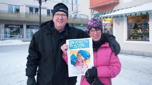 Birgitta Bängs och Peo Persson från Norberg ville självklart vara med och fira Frida.
