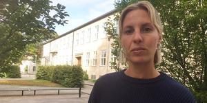 Ungdomspolis Nathalie Jansson hade fått förvarningar om oroligheter och hade tagit sig till Ekebyskolan när storbråket utbröt mitt framför ögonen på henne.