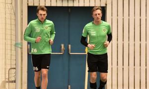 Markus Tegebäck och Joakim Karlsson deltar ännu inte i den kollektiva träningen utan kör egen träning vid sidan av.