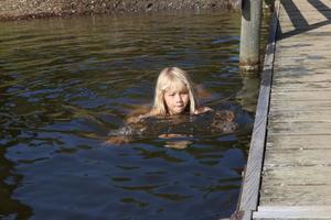Lea Isaksson, Sollefteå, badade själv och brydde sig mindre om hästarna för en stund.