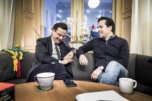 Ulf Kristersson och  MUF-ordföranden Benjamin Dousa. Foto: Magnus Hjalmarson Neideman, TT.