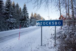 På Svärdsjövägen är det generellt 70 kilometers hastighetsgräns, men genom byarna ska man hålla max 50, något som få bryr sig om enligt bybon.