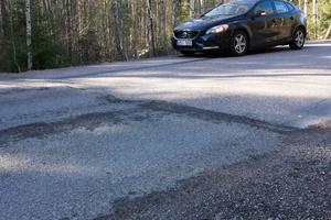 Även väg 664 mellan Fagersta och Ängelsberg är i stort behov av ny asfalt. Arbetet beräknas börja vecka 32.
