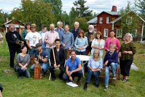 Närmare 30 flöjtspelare samlas i helgen i Kölsillre för att vara med på den årliga spelpipekursen som Göran Månsson håller i.