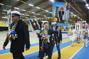 Mattias Strand är en av de glada studenterna.