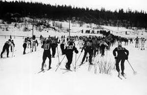 Starten har gått i Vasaloppet 1929.