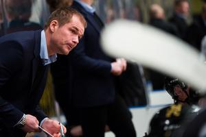Tomas Mitell tror att AIK får tillbaka flera spelare i laget när finalserien börjar på måndag. Foto: Simon Hastegård / Bildbyrån