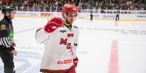 Johan Eriksson blev tvåmålsskytt mot Pantern, bägge målen kom i fem mot fyra. Bild: Johan Löf/Bildbyrån