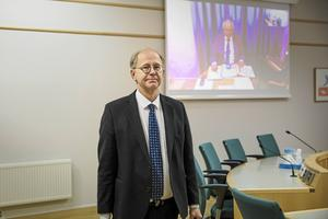 Det finska bolagets juridiska ombud Thorsten Sennton är besviken. Han utgick ifrån att Högsta domstolen skulle bevilja prövningstillstånd.