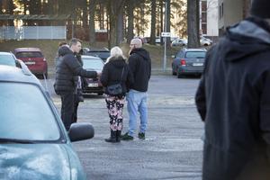 Även Aftonbladet var på plats på Glimmervägen i Sätra.