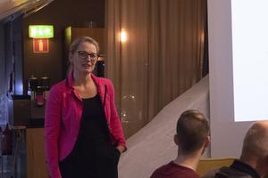 Anna Gustavsson ville få Crister Mattssons syn på det kommunala nätet och dess utveckling.