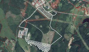 Röbackens industriområde som är belägen strax söder om centrala Smedjebacken är 75 hektar stort och sträcker sig på båda sidorna av Humbobergsvägen. Kartskiss: Smedjebackens kommun.
