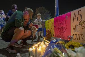 Minst 20 döda enbart vid en av helgens två masskjutningar i USA.