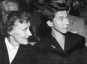 Astrid Lindgren och Tove Jansson tillsammans i Stockholm 1958. Foto: Karl Heinz Hernried