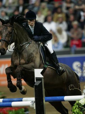 Lotta Sjöberg, som då hette Schultz, med sin Calibra från Göteborg Horse Show 2006. FOTO: TT