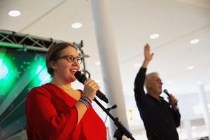 Erika Gyllenvåg fick igång publiken på Kupolen.