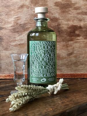 Mackmyra Whisky har hjälpt jordbrukskooperativet Lantmännen att lansera en nyvodka gjord på ekologiskt odlad vete. Bild: Sune Liljevall