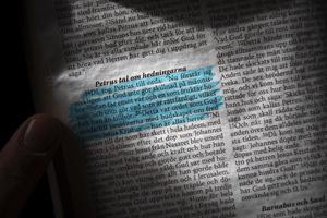 I Bibeln på Erik Lenneståls skrivbord är Petrus ord understrukna: