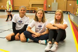 Moa Hagman Hansson, Lova Westerlund och Emma von Wachenfeldt åker från Ljusdal för att delta i campet. Samtliga spelar innebandy i IK Ljusdal.