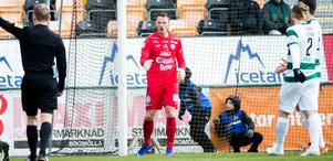 Anton Fagerström fick stående ovationer av de 3 363 i publiken på Solid Park arena efter en räddning av högsta klass i den andra halvleken.
