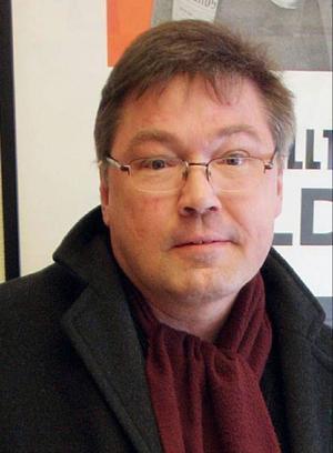 Hans-Erik Dahlgren. Han avled 2012.