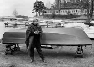 Vinterbilden 1992. Årets modell: Ann Tiberg. Medeltemperatur: +0,5. Nederbörd: 64,3. Foto: Lennart Forsberg.