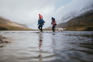 En bild från en familjevandring längs Kungsleden. Foto: Joakim Norenius