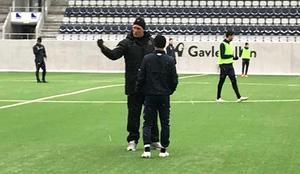 Johan Mjällby under träningen med Jonas Lantto.