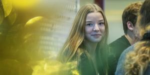 Elin Wackfelt tror på mer idrott. Själv gymmar hon och spelar fotboll.