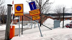 Ett återkommande problem vid rättspsyk i Sundsvall är att fel patienter både skrivs in och skrivs ut.