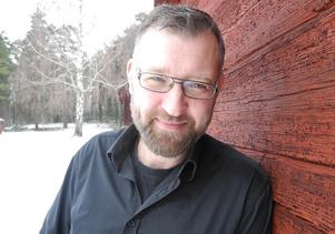 Fredrik Örtendahl kommer fortsätta i bilbranschen parallellt med nya åtagandet i Stabergs Krog och Trädgårdscafé..